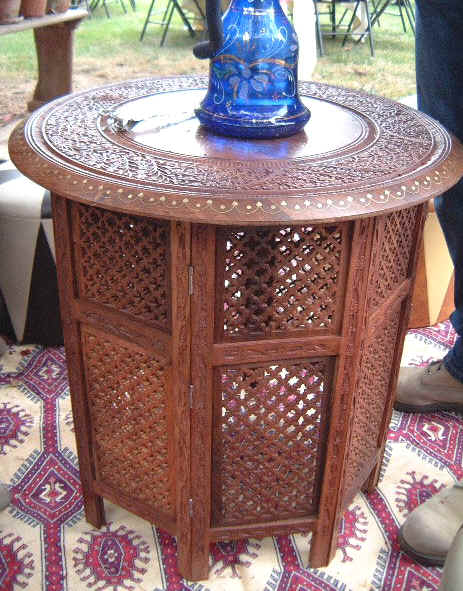 Les tables Moucharabieh salon traditionnel marocain