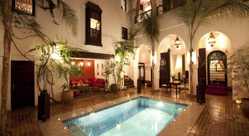 l art de la d coration riads medina au maroc d co salon marocain. Black Bedroom Furniture Sets. Home Design Ideas