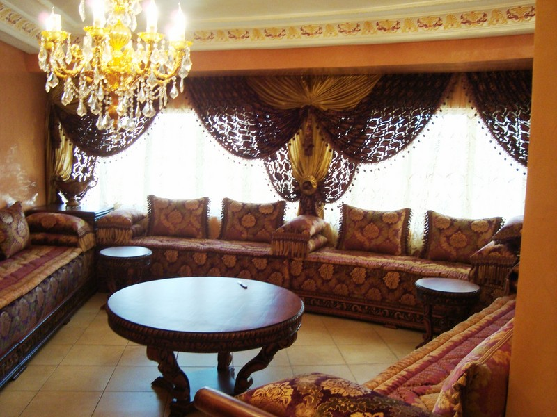 D coration marocaine pour salon montr al d co salon for Table de salon marocain