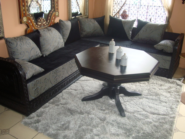 table ronde de salon marocain table de lit. Black Bedroom Furniture Sets. Home Design Ideas