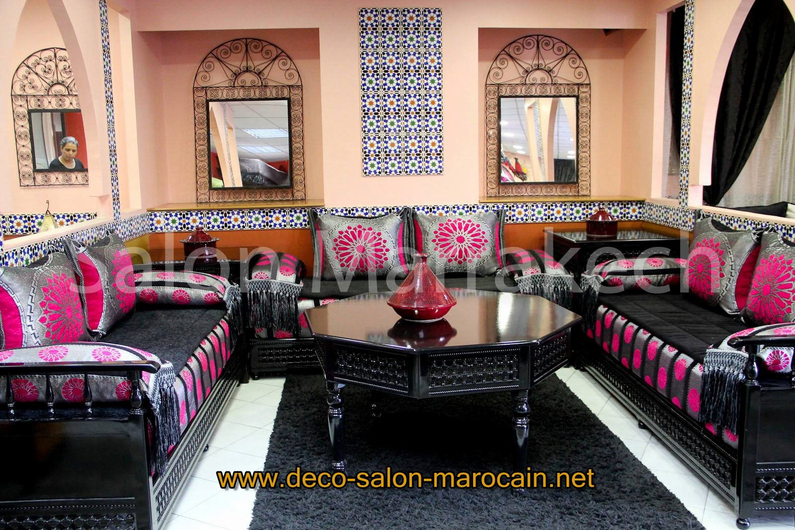 salon marocain bois noir design moderne d co salon marocain. Black Bedroom Furniture Sets. Home Design Ideas