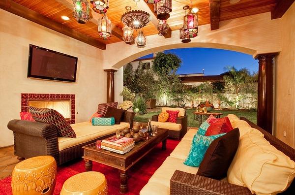 Les couleurs vives de style marocainde lanterne intelligents