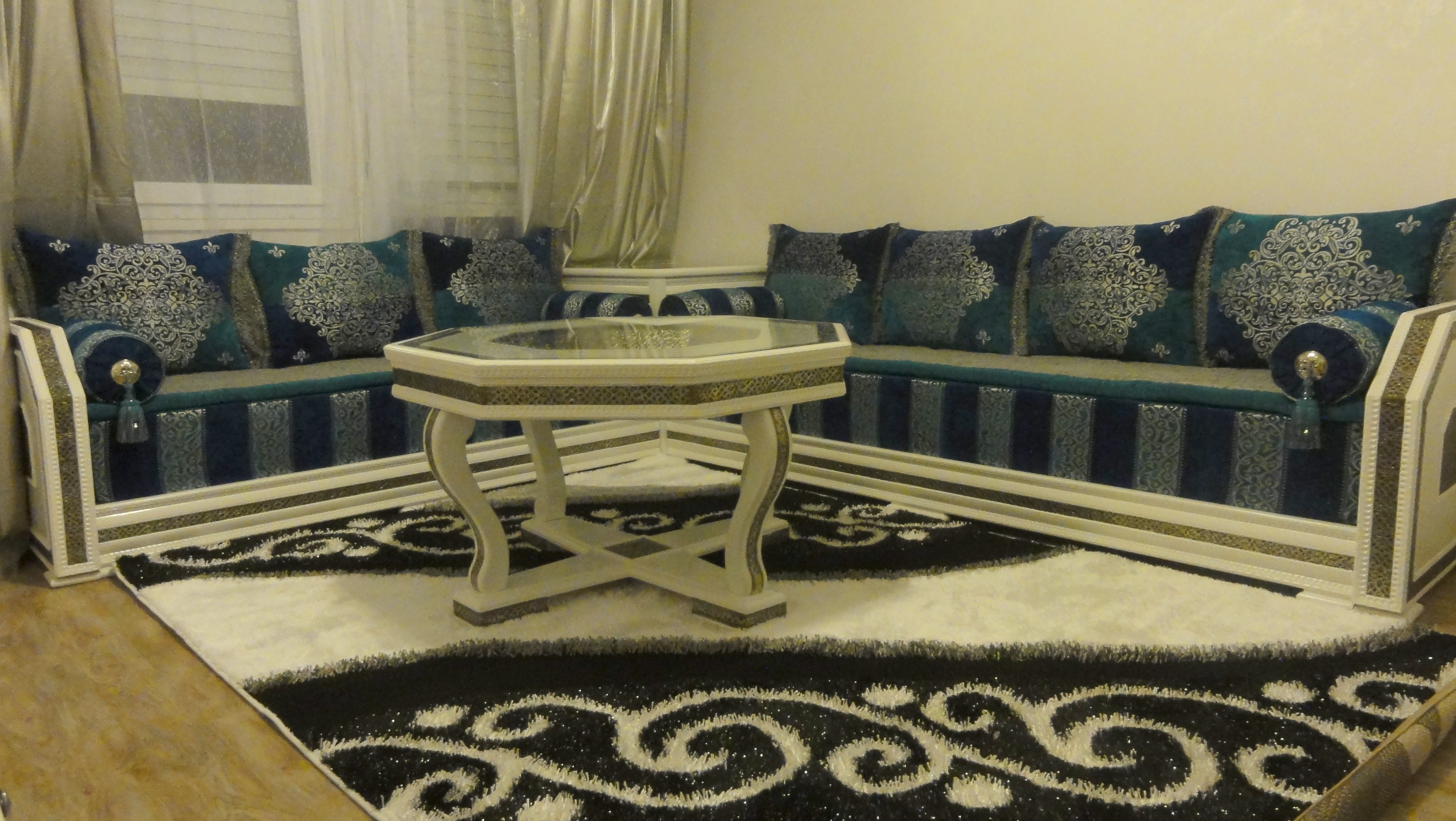 Salon beldi moderne for Salon marocain blanc