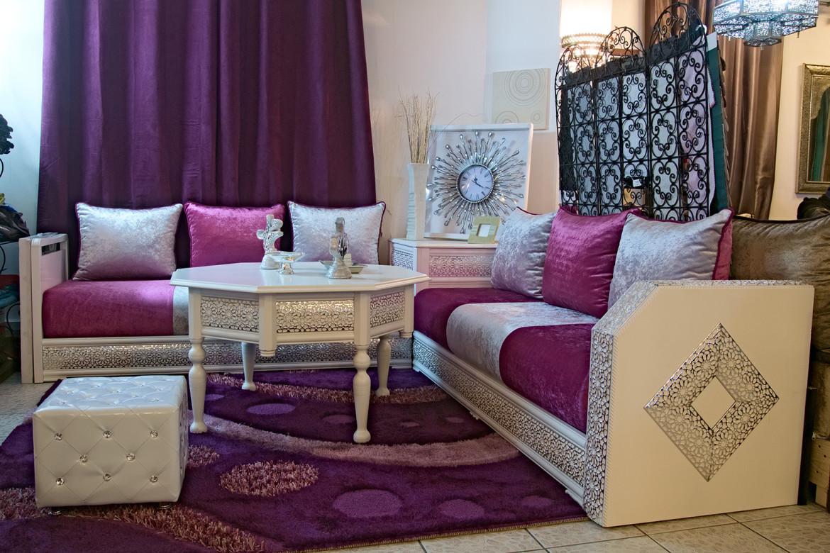 Salon marocain traditionnel design moderne for Decoration salon marocain