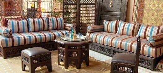 Décoration de salon marocain avec artisanat à Fés